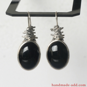 Dangling Earrings. Sterling Silver Earrings with  Black Oval Onyx