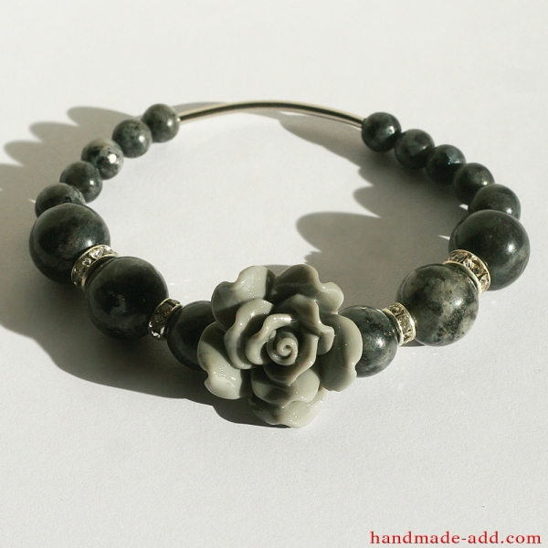 Friendship Bracelet Gray Rose Labradorite
