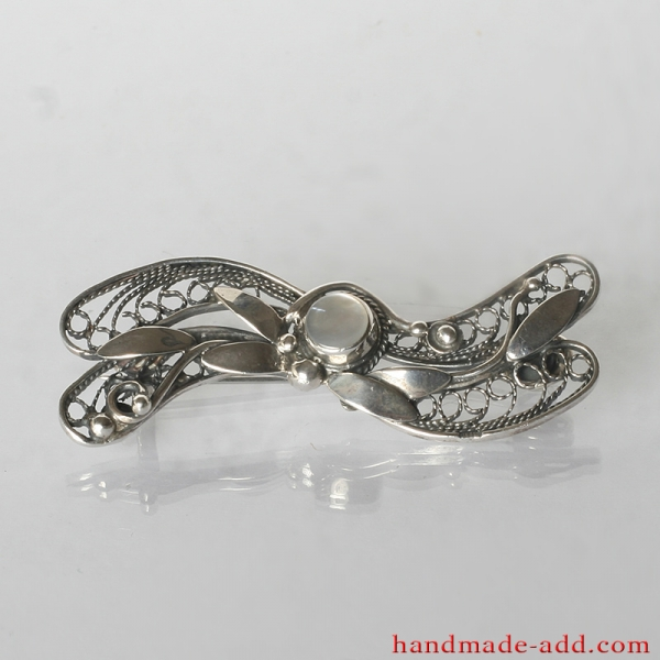Filigree Silver Brooch Shell, Sterling Silver Brooch with natural mother-of-pearl.
