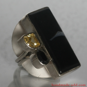 Sterling Silver Ring with genuine onyx and citrine.