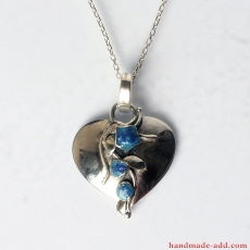 Heart Necklace Pendant in Sterling Silver