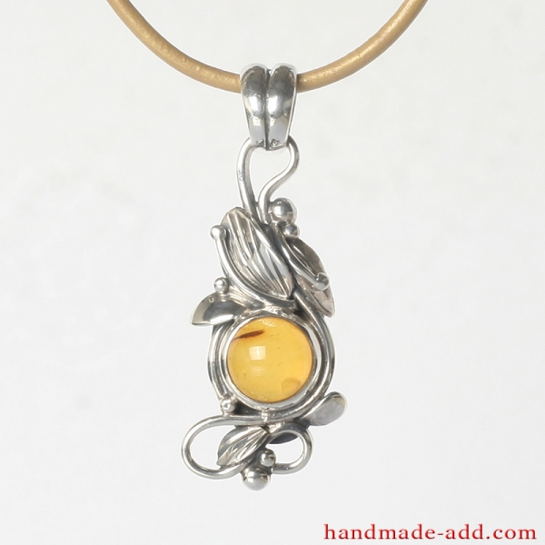 Silver Necklace Pendant Amber. Sterling Silver Necklace with genuine Amber.